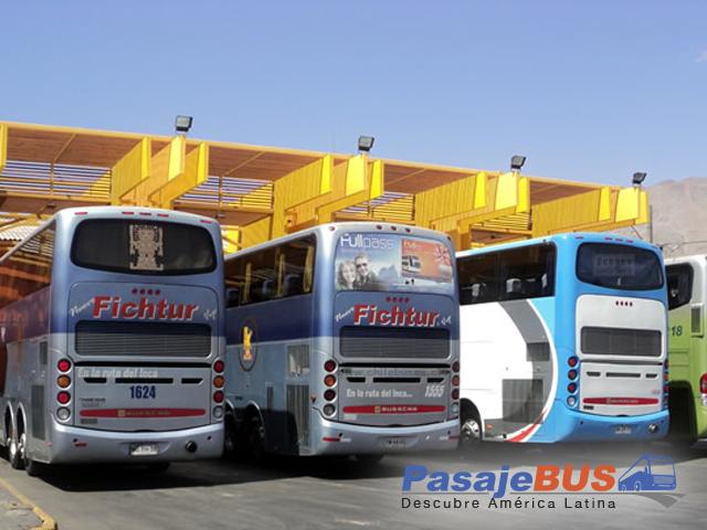 en los terminales de iquique encontrarás muchos destinos con recorrido al norte y centro de chile. cotiza y compra tus pasajes de bus en pasajebus.com