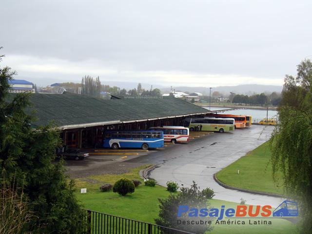 en el terminal de valdivia encontrarás muchos destinos con recorrido al norte, centro y sur de chile. cotiza y compra tus pasajes de bus en pasajebus.com